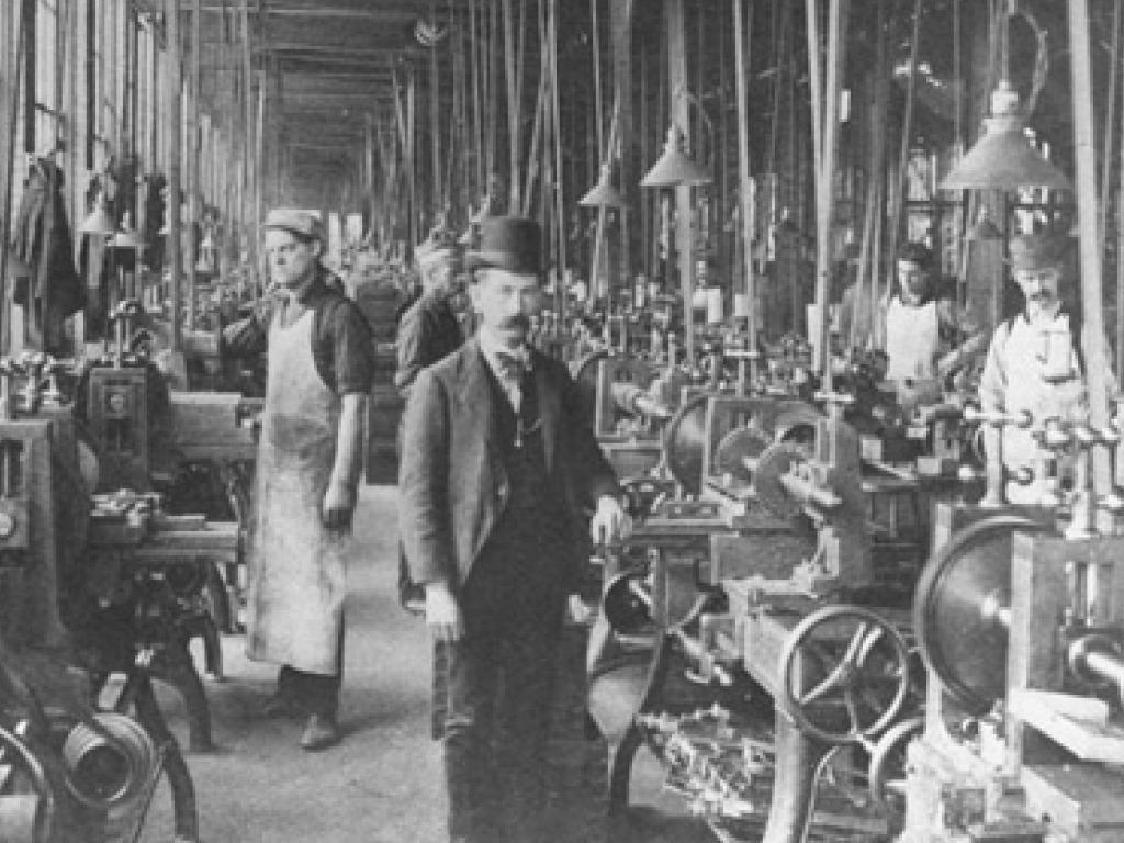 Почему в промышленном производстве иногда требуется применение смесей